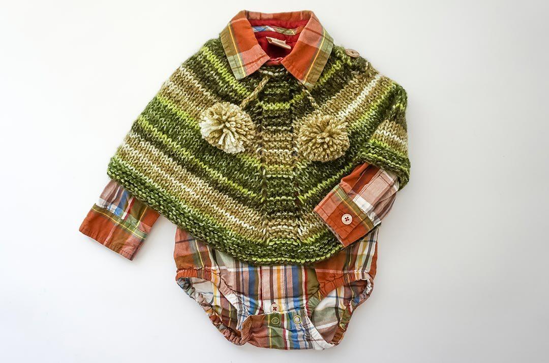 Como tejer Poncho para bebé a palillos, instrucciones y patron de tejido